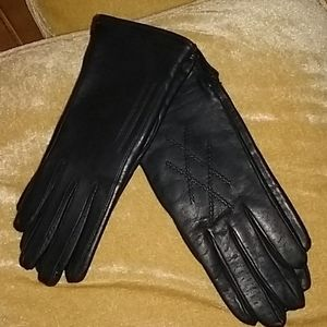 2 PAIR St Michael's LEATHER Gloves